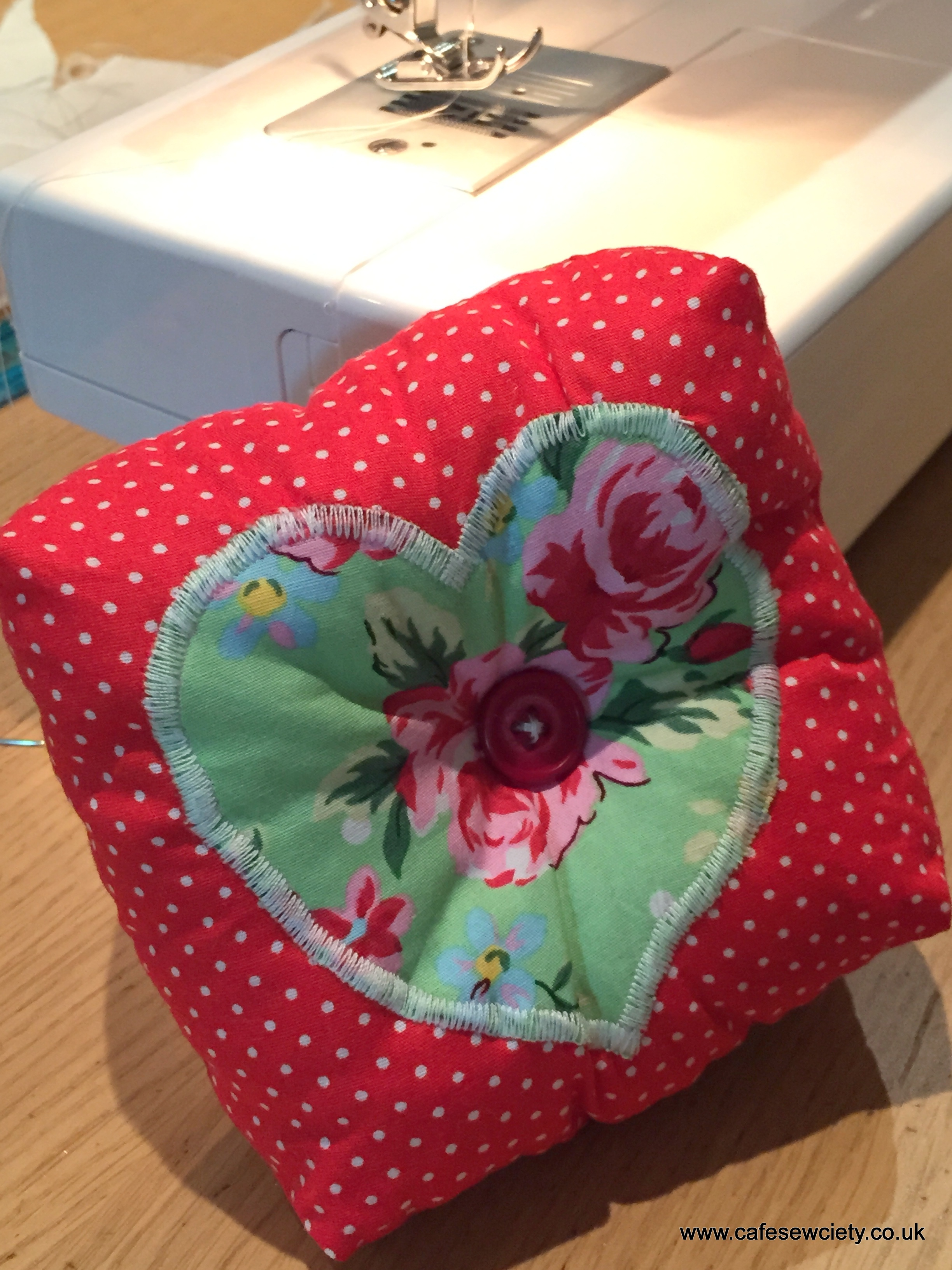 Applique pin cushion (2hrs)